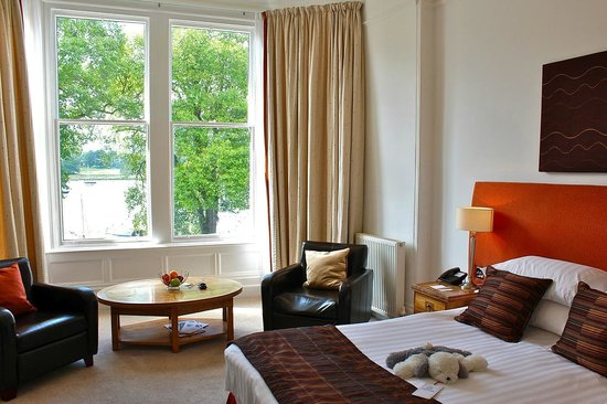 Waterhead Hotel: Luxury Lake View Bedroom