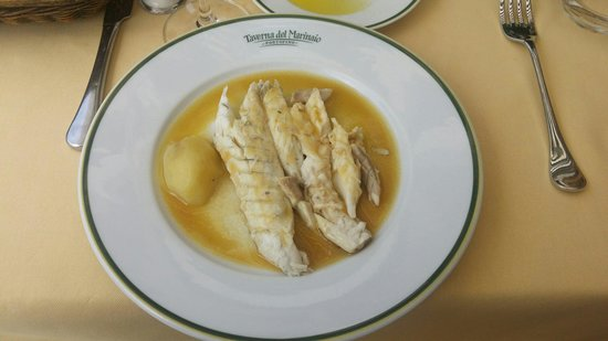 Taverna del Marinaio: Branzino in white wine sauce.