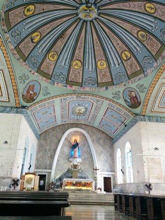 Maasin Cathedral: Masin Cathedral - interior
