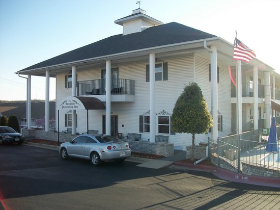 Branson Plantation Inn: Exterior