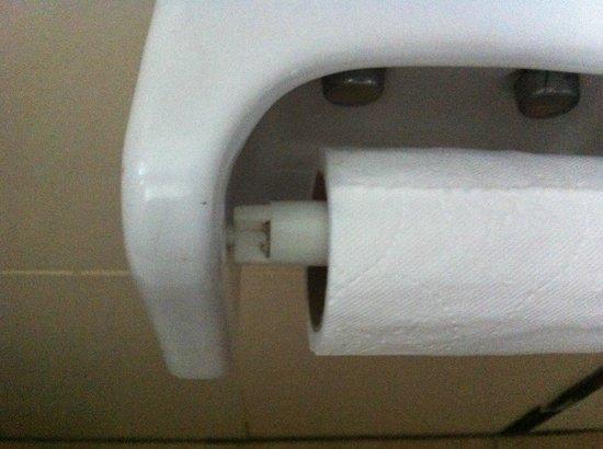 Club Hotel Turan Prince World: support rouleau papier wc propreté douteuse