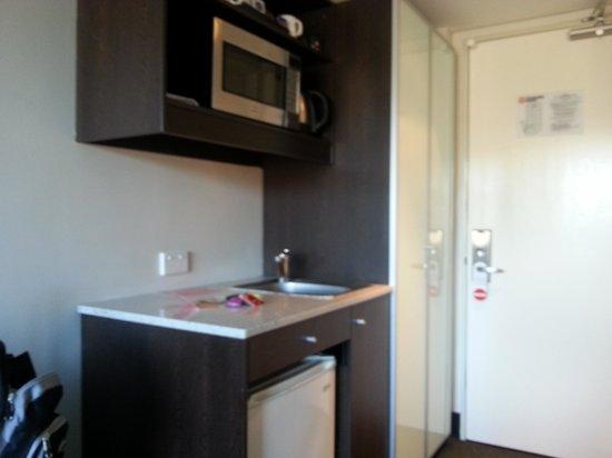 Travelodge Hotel Hobart: Kitchenette floor 9