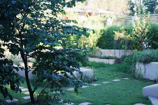 De Langenhof Guest House: Le Jardin
