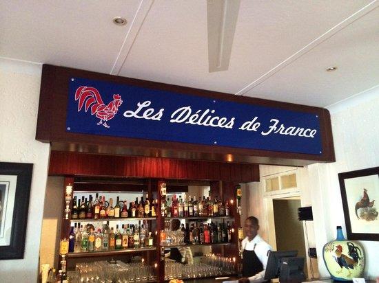 Les Delices De France: Bar area