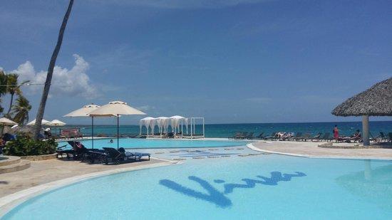 Viva Wyndham Dominicus Beach: una delle piscine