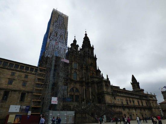 Kathedrale von Santiago de Compostela: FACHADA PRINCIPAL EN RESTAURACION