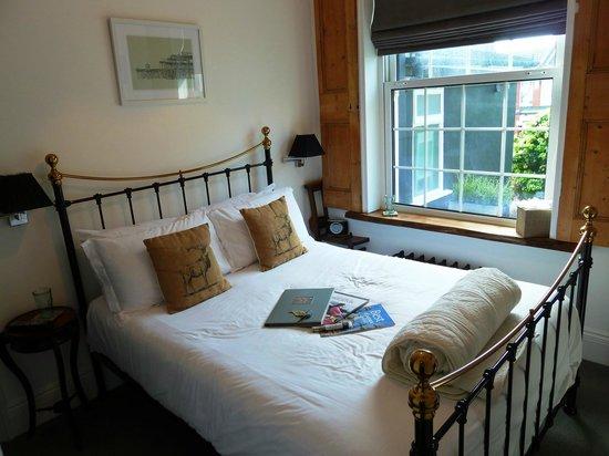 27 Brighton Bed & Breakfast: Great room