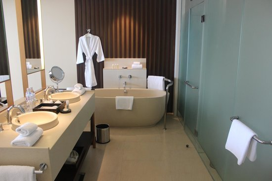 Vana Belle, A Luxury Collection Resort, Koh Samui: Lovely Bathroom