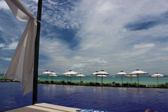 Vana Belle, A Luxury Collection Resort, Koh Samui: loving the sun shades!