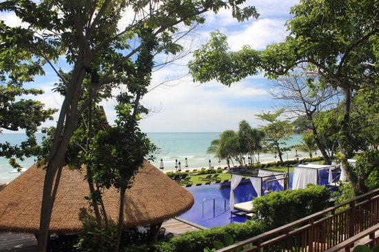 Vana Belle, A Luxury Collection Resort, Koh Samui: View from the Kiree down to the pool area