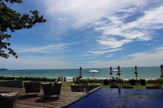 Vana Belle, A Luxury Collection Resort, Koh Samui: from the poolside