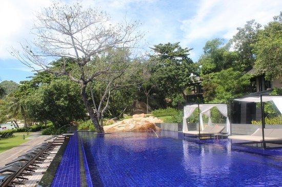 Vana Belle, A Luxury Collection Resort, Koh Samui: poolside