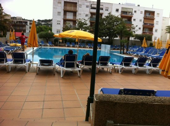 Hotel GHT Oasis Tossa & SPA : Piscina