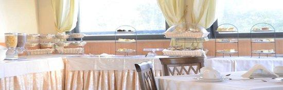 Hotel L' Oasi: Buffet delle colazioni