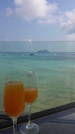 Villa 360 Resort & Spa: Drinks at the restuarant