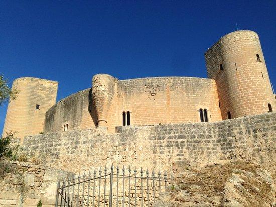 Bellver Castle (Castell de Bellver): One side of the castle