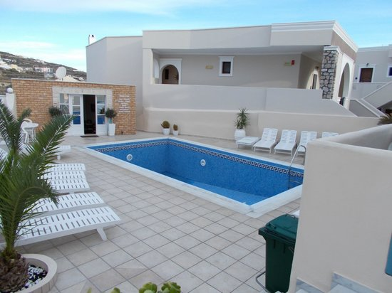 Evgenia Villas & Suites: Pool
