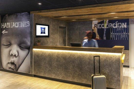 Ibis Budget Valencia Aeropuerto: Reception