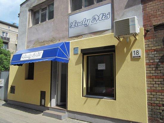 Q Hotel Grand Cru: Lody Mis nearby Grand Cru