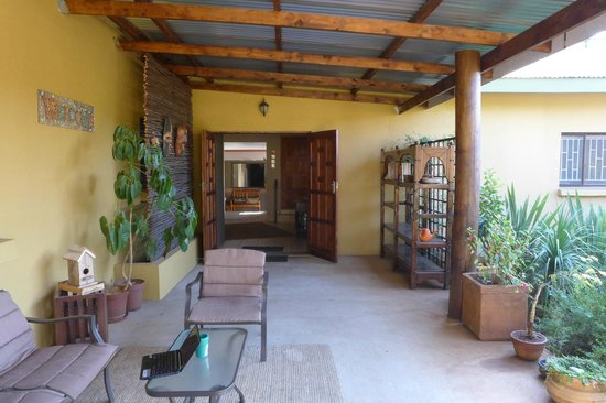Aqua Terra Guest House: Entrance to dining hall