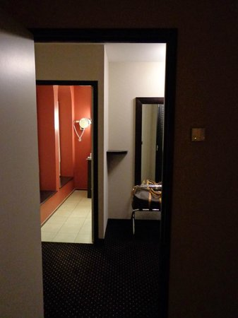 Hotel La Citadelle Metz - MGallery Collection: Entrée et Salle de bain