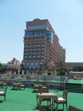Sonesta St. George Hotel Luxor: hotel from the Nile