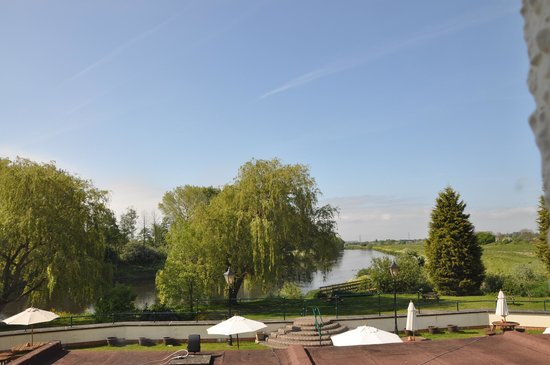 Riverside Hotel: view from bedroom 24