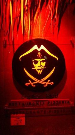 "Capitan Kidd: locale in stile ""piratesco"""