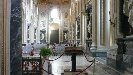 Arcibasilica di San Giovanni in Laterano: Интерьер