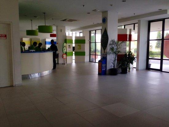 POP! Hotel Airport Jakarta: Reception