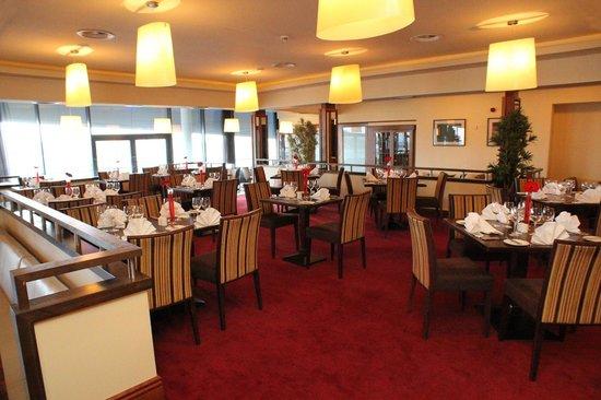 Clayton Hotel Galway: Restaurant view