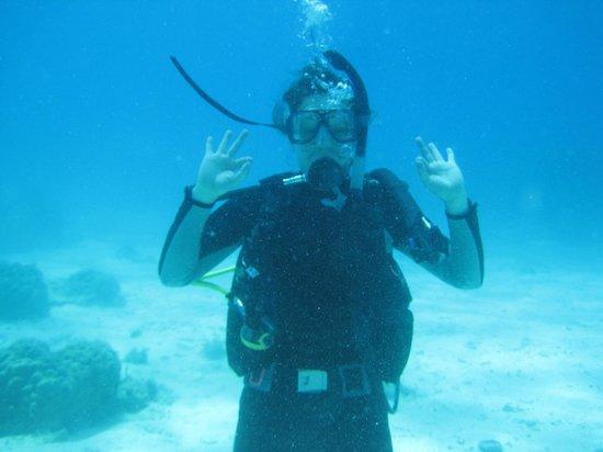 Philippine Fun Divers, Inc.: Containing my bursting excitement!