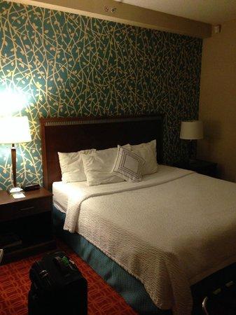 Fairfield Inn & Suites Toronto Airport: Comfy but hard mattress. Dark room.