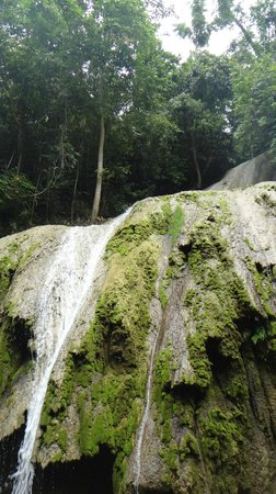 Cacao Mountain Resort : waterfall