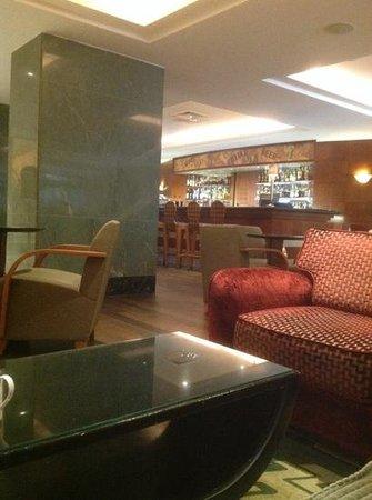 Radisson Blu Alcron Hotel, Prague : бар