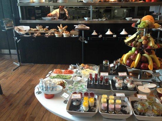 Kempinski Residences & Suites, Doha: Breakfast Buffet