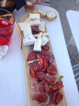 Cafe de la cale: Planche espagnole et planche fromagère