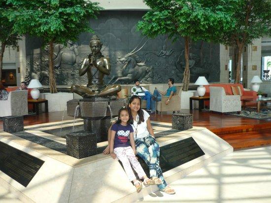 Royal Cliff Beach Hotel: hotel lobby