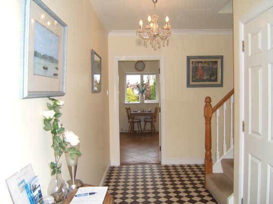 Portumna House Bed & Breakfast: Portumna House B&B Hall/ Reception