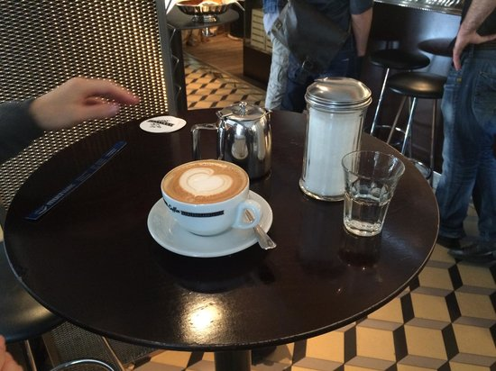 Adriano's Bar & Cafe: Coffee chez ADRIANOS