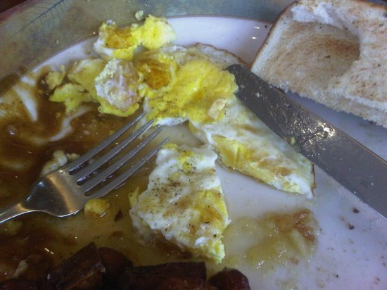 "Rocky Crest Golf Resort : These eggs are ""over easy"""