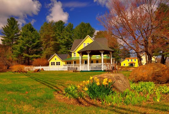 RiverWood Inn: Springtime at RiverWood