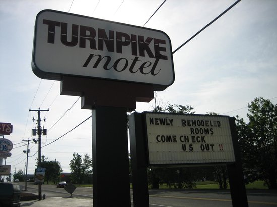 Turnpike Motel