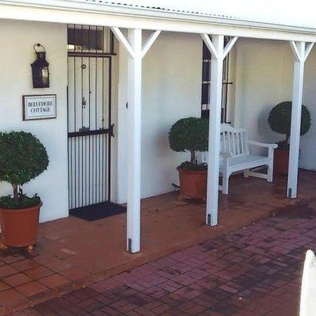Belvedere Cottages & B&B: Belvedere Cottage entrance