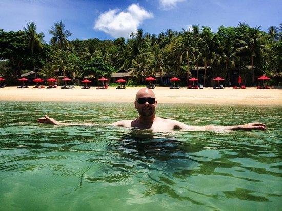 Anantara Rasananda Koh Phangan Villas : Looking back towards the resort's beach front.