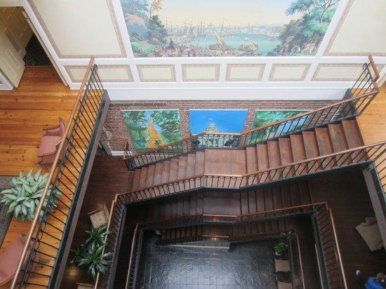 River Street Inn : Atrium/Common Area