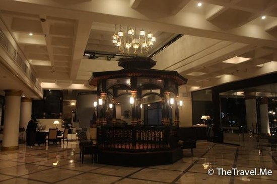 Hotel Santika Premiere Jogja : 大堂古色古香