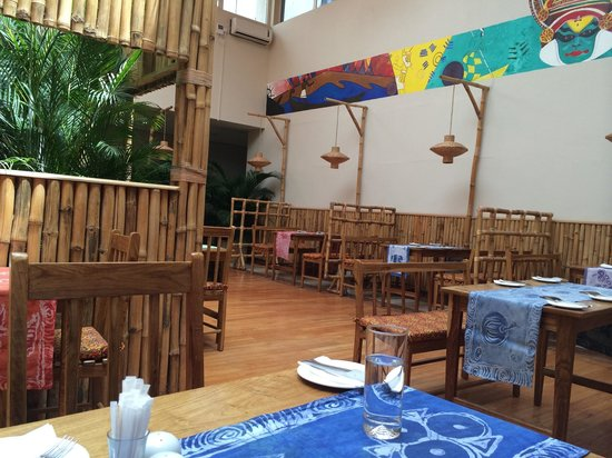 Masala Wahala: Beautiful scenery and lovely atmosphere. The meal was fantastic and fresh. The service was good.