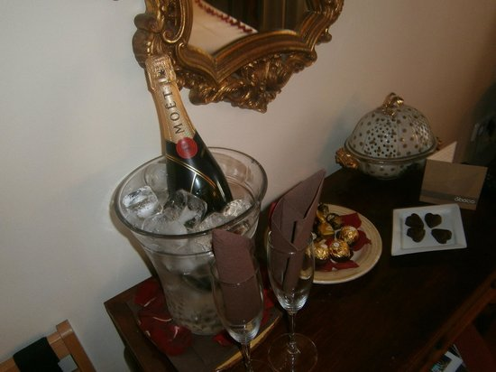 Hotel Abaco Altea: Champagne on Ice