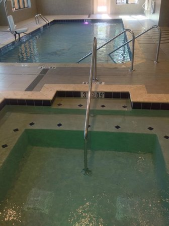 Swimming Pool & Hot Tub - Picture of Holiday Inn Hotel ...